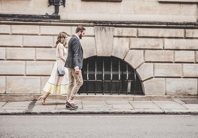Không phải tình đầu, cũng chẳng là tình cuối, rồi nhất định sẽ có một người yêu bạn bằng cả trái tim - Ảnh 2.
