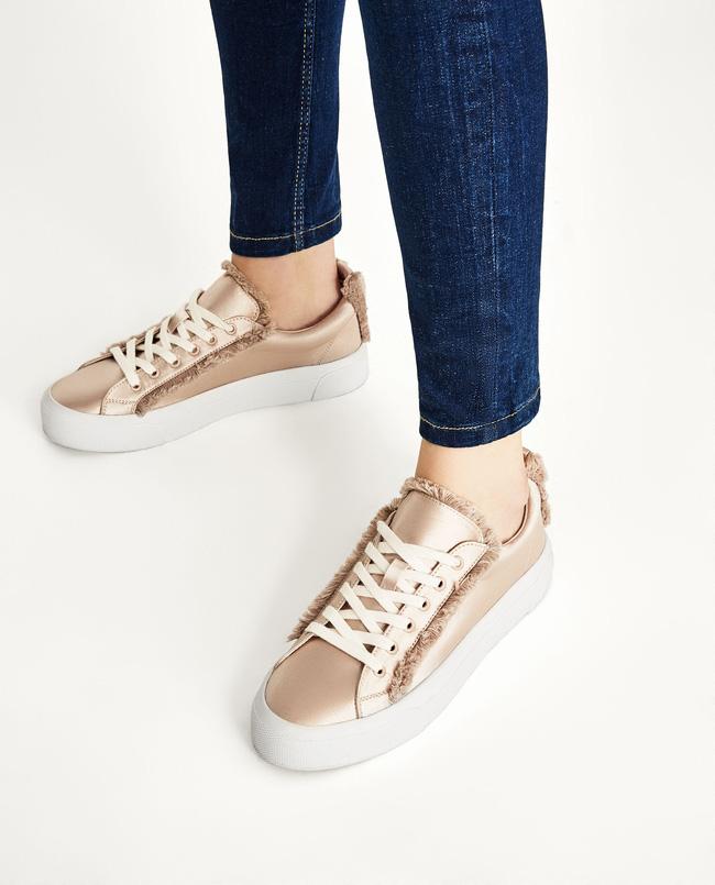 """Qua rồi cái thời sneakers trắng là tâm điểm, 4 kiểu giày mới khiến chị em """"chao đảo"""" là đây"""