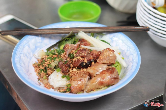 """Hé lộ 5 con hẻm ẩm thực ở Sài Gòn """"cứ mỗi bước là có một món ăn ngon"""""""