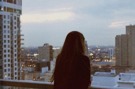 Người hứa chẳng nhớ mình nói gì, người nghe thì nhớ mãi không quên...