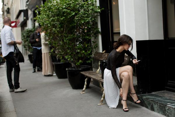 Nàng thấp bé chỉ cần diện món đồ này là đôi chân trông đã dài miên man hơn hẳn