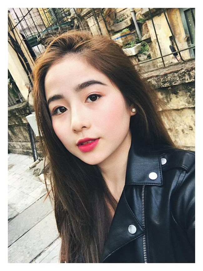 Đây là cô gái Việt có khuôn mặt tròn được khen là xinh nhất!