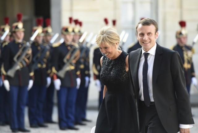 Tình sử của tân Tổng thống Pháp tất cả chỉ có thế: Mối tình đầu thoảng qua và niềm đam mê tuyệt đối - Ảnh 3.