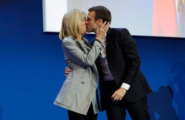Tình sử của tân Tổng thống Pháp tất cả chỉ có thế: Mối tình đầu thoảng qua và niềm đam mê tuyệt đối - Ảnh 2.