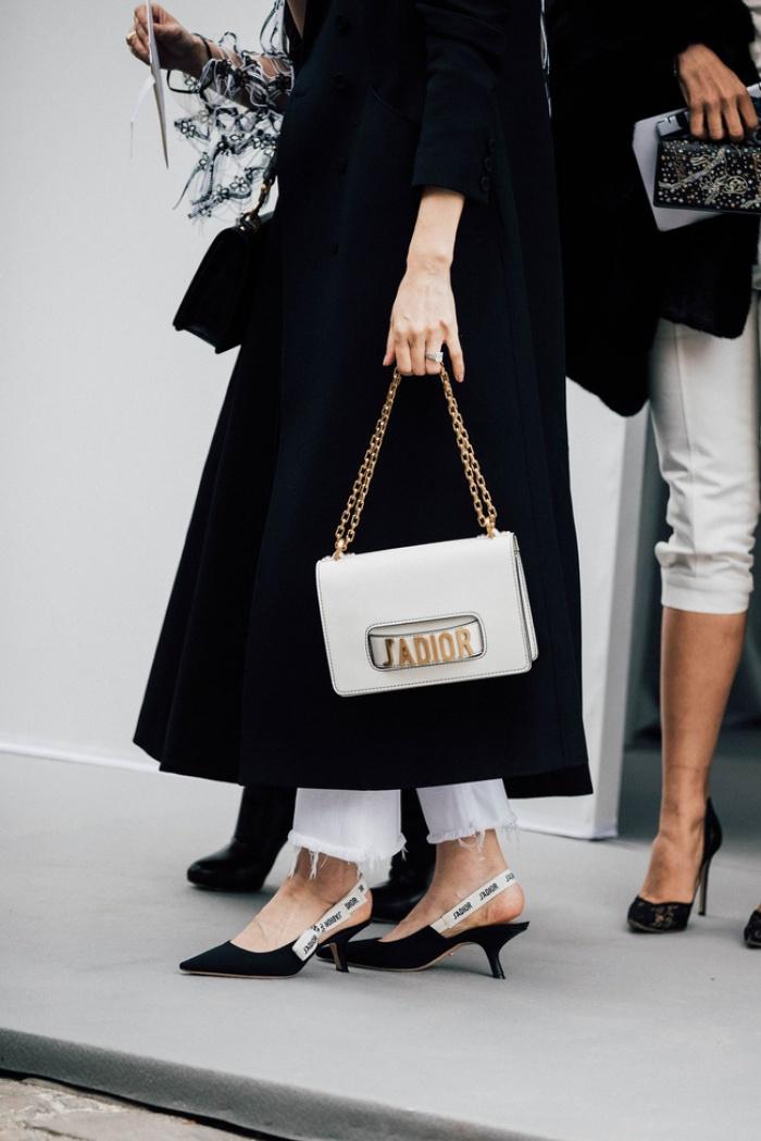 Túi Dior J'adior: Món phụ kiện khiến cả Bánh bèo lẫn Cá tính đều đổ gục trong một nốt nhạc! - Ảnh 4.