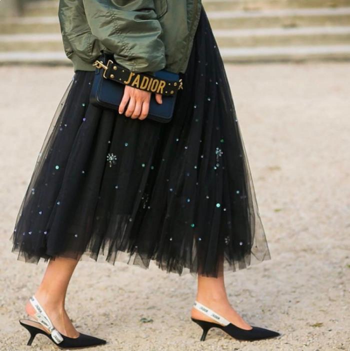 Túi Dior J'adior: Món phụ kiện khiến cả Bánh bèo lẫn Cá tính đều đổ gục trong một nốt nhạc! - Ảnh 2.