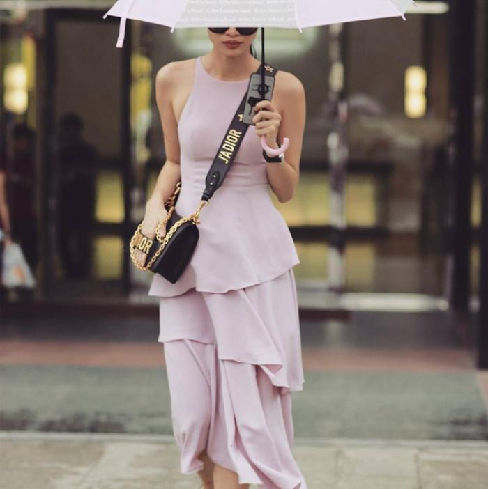 Túi Dior J'adior: Món phụ kiện khiến cả Bánh bèo lẫn Cá tính đều đổ gục trong một nốt nhạc! - Ảnh 7.