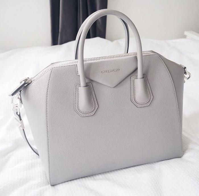 Cả thập niên đã qua, nhưng đây vẫn là 13 chiếc túi hàng hiệu khiến phái đẹp toàn cầu khát khao nhất - Ảnh 52.
