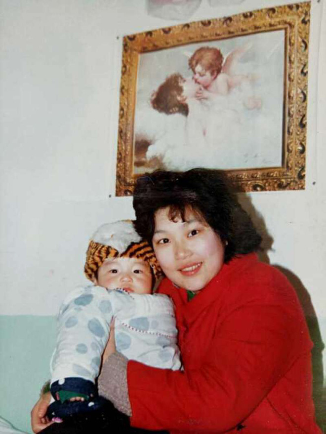 Quyết bỏ chồng để giữ con, bà mẹ vĩ đại kiên trì suốt 29 năm nuôi con trai bại não vào Đại học Harvard