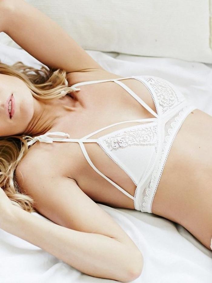 Hãy để 5 thiết kế bra này yêu chiều làn da và vóc dáng của bạn trong hè nắng nóng - Ảnh 3.