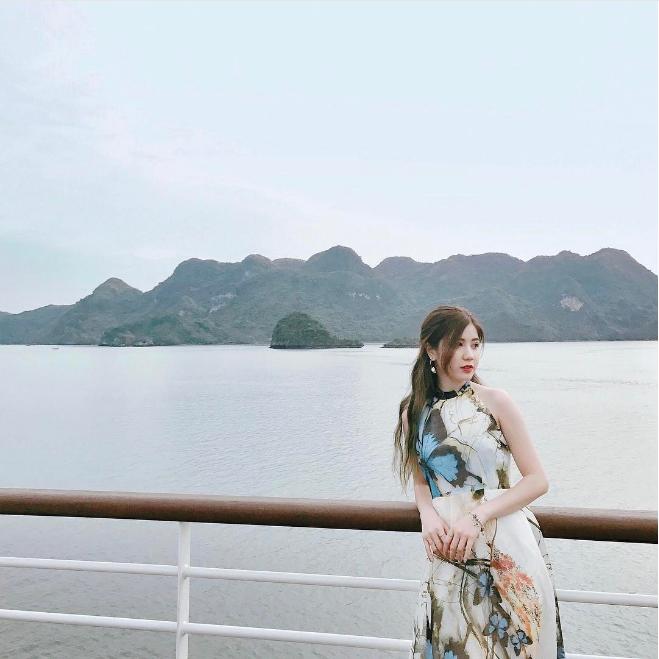 Chiêm ngưỡng thời trang đi biển cực xinh của các hotgirl Việt