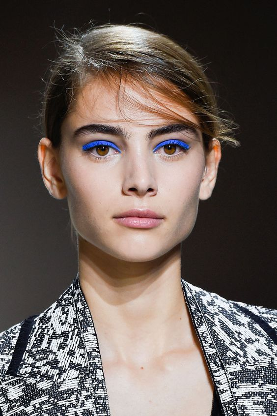 5 phong cách trang điểm bạn nên thử trước tuổi 30