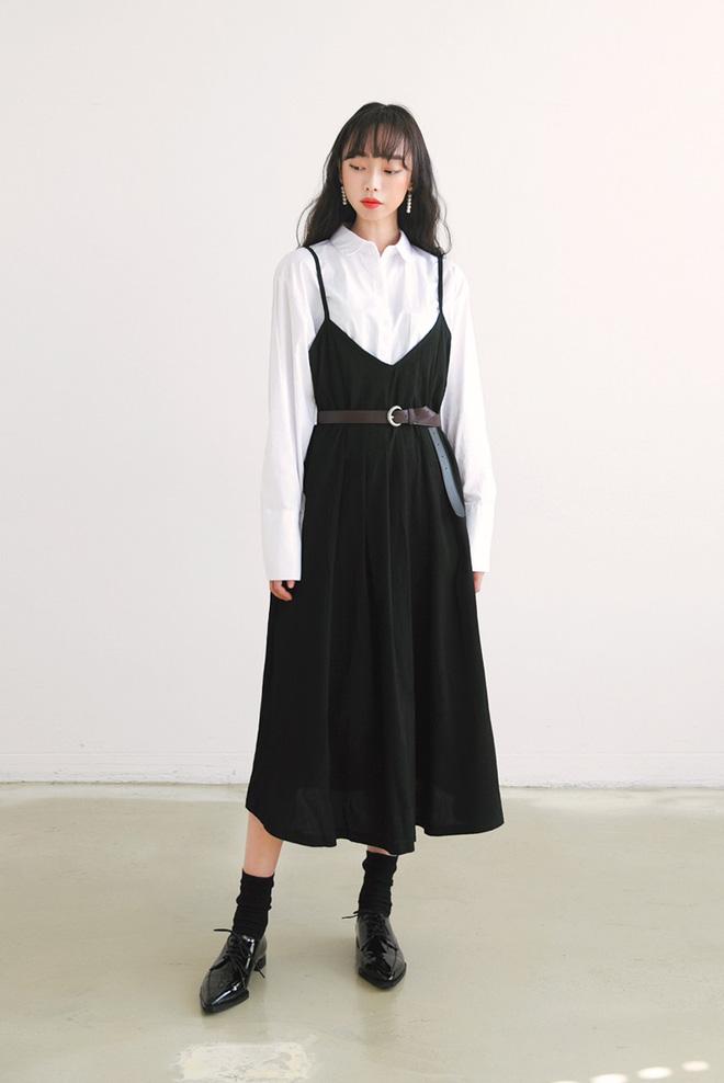 Thời trang công sở chất phát ngất chỉ với hai màu đen, trắng