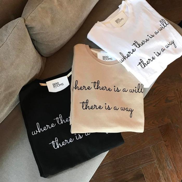 T-shirt với font chữ viết tay, món mới siêu hot đang được giới trẻ châu Á diện miết mải - Ảnh 10.