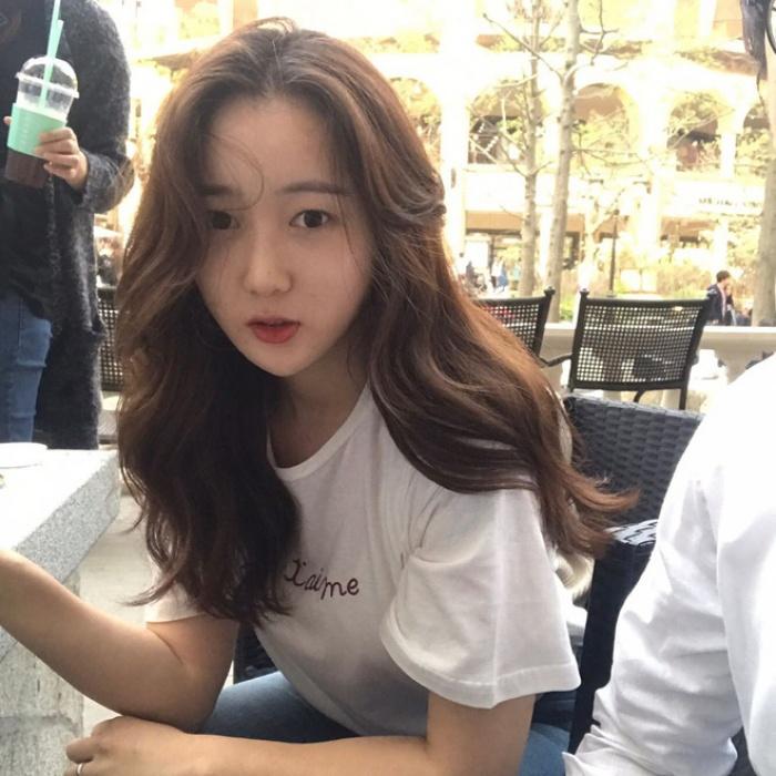 T-shirt với font chữ viết tay, món mới siêu hot đang được giới trẻ châu Á diện miết mải - Ảnh 16.