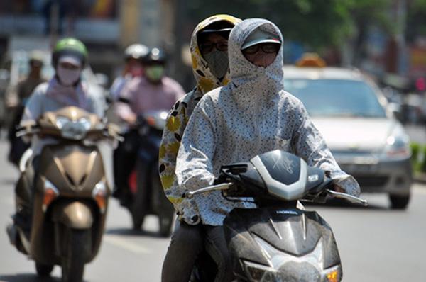 Nắng nóng đỉnh điểm mà ra đường thiếu 6 phụ kiện chống nắng này thì đúng là không sống nổi! - Ảnh 3.