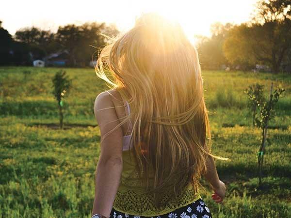 7 lí do khiến đàn ông dễ bị thu hút bởi con gái tóc dài