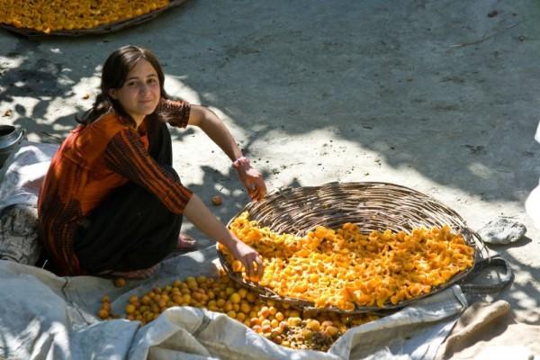 Ăn ít đi, tăng cường rau xanh, uống nước tinh khiết: Bí quyết trường thọ của bộ lạc 900 năm không có ai mắc ung thư