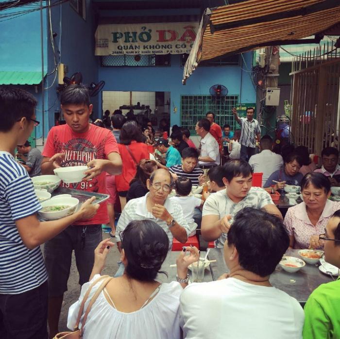6 quán ăn đắt nhưng 'đuổi không hết khách' ở Sài Gòn