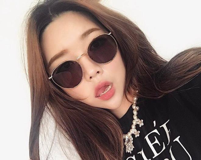 Sau Gentle Monster, giới trẻ Hàn đang đắm đuối với 2 thương hiệu kính mắt rẻ hơn mà cực cool này - Ảnh 22.