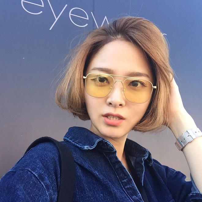 Sau Gentle Monster, giới trẻ Hàn đang đắm đuối với 2 thương hiệu kính mắt rẻ hơn mà cực cool này - Ảnh 24.