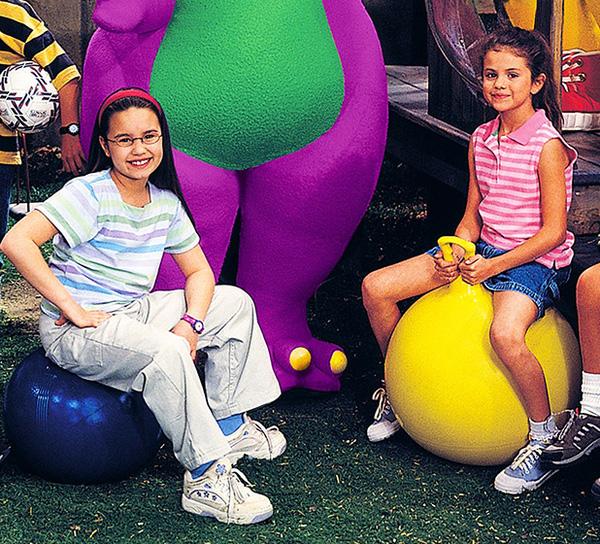 Selena Gomez: Tuổi thơ nghèo khó, không có cha ở bên và nỗ lực trở thành ngôi sao đầy chông gai