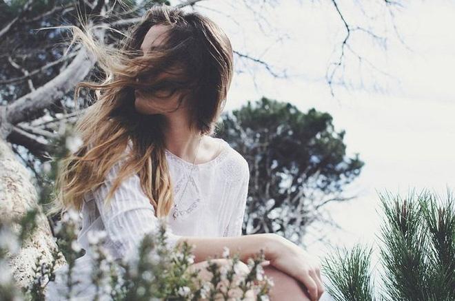 Chúng ta che giấu quá nhiều nỗi buồn, đến một ngày nào đó lại chọn rời xa nhau