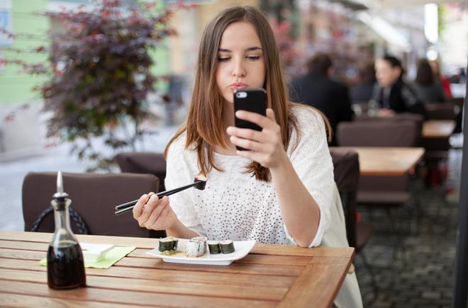 Không chỉ ngồi nhiều mới gây béo bụng, 7 sai lầm này cũng khiến bụng tích mỡ không kém