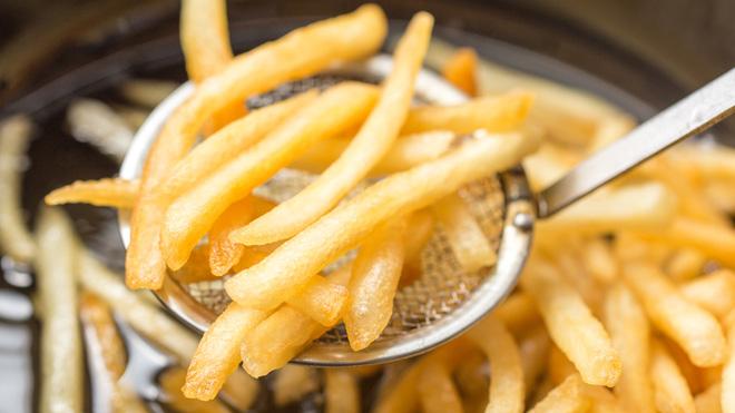 Không chỉ ngồi nhiều mới gây béo bụng, 7 sai lầm này cũng khiến bụng tích mỡ không kém - Ảnh 1.