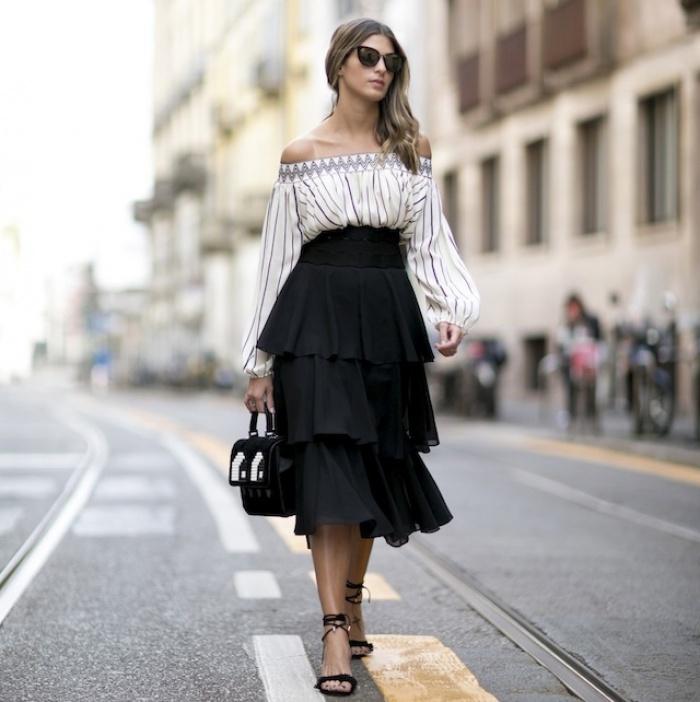 Đã có chân váy midi rồi thì phải sắm ngay 6 kiểu áo này, mặc vào đảm bảo nịnh dáng vô cùngĐâu là chiếc áo diện cùng chân váy midi có thể nịnh dáng nhất - Ảnh 16.