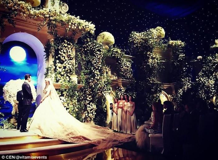 Cả Hollywood choáng ngợp trước đám cưới xa hoa của tiểu thư nhà tài phiệt Nga - Ảnh 1.