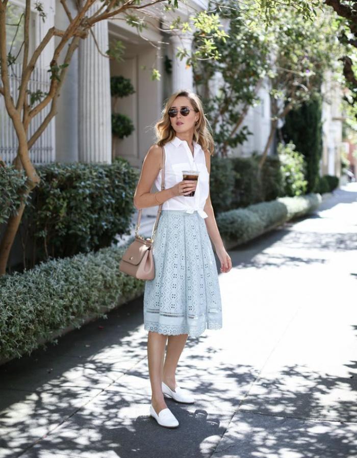 Đã có chân váy midi rồi thì phải sắm ngay 6 kiểu áo này, mặc vào đảm bảo nịnh dáng vô cùngĐâu là chiếc áo diện cùng chân váy midi có thể nịnh dáng nhất - Ảnh 5.