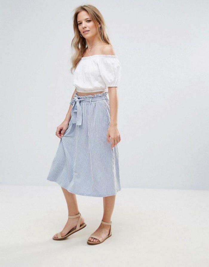 Đã có chân váy midi rồi thì phải sắm ngay 6 kiểu áo này, mặc vào đảm bảo nịnh dáng vô cùngĐâu là chiếc áo diện cùng chân váy midi có thể nịnh dáng nhất - Ảnh 18.