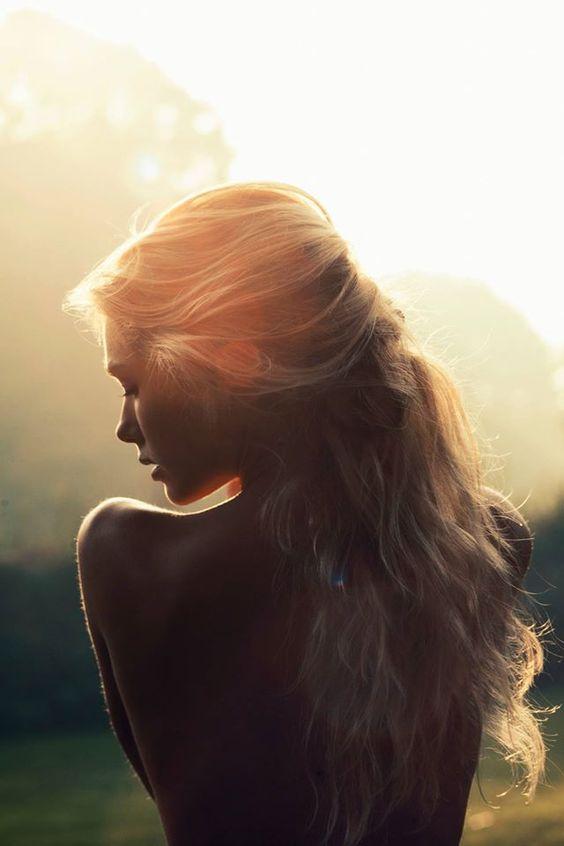 Dứt khoát rũ bỏ quá khứ đau buồn sẽ khiến ta trưởng thành hơn...