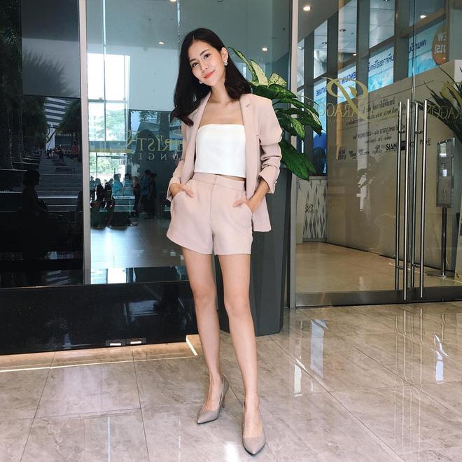 Vóc dáng thấp bé nhưng Song Hye Kyo vẫn luôn mặc đẹp nhờ vào 5 bí kíp này