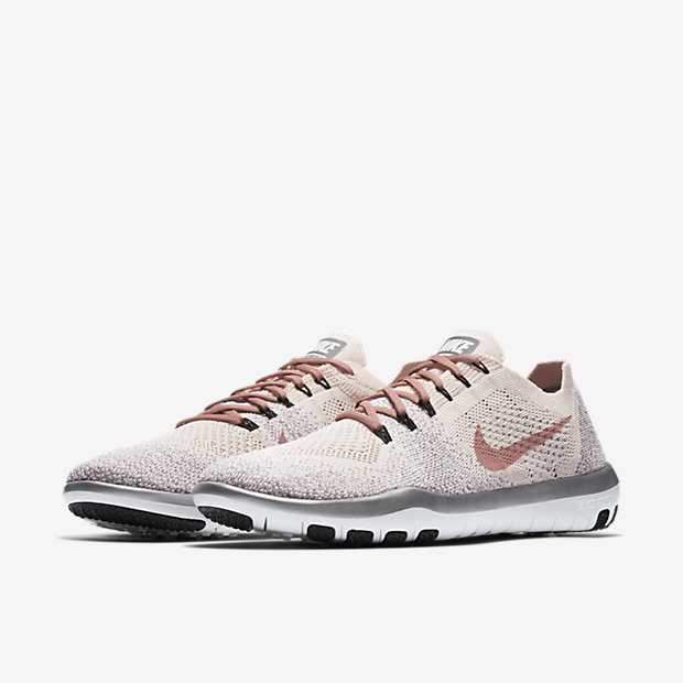 Bán mỗi giày hồng đã là gì, giờ Nike còn tung ra bộ sưu tập toàn đồ màu hồng cho hội chị em rồi đây này - Ảnh 6.