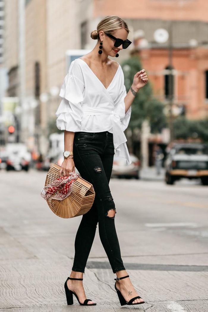 Những chiếc quần skinny jeans rất được các fashionista tận dụng trong cách phối đồ cho nữ lùn.