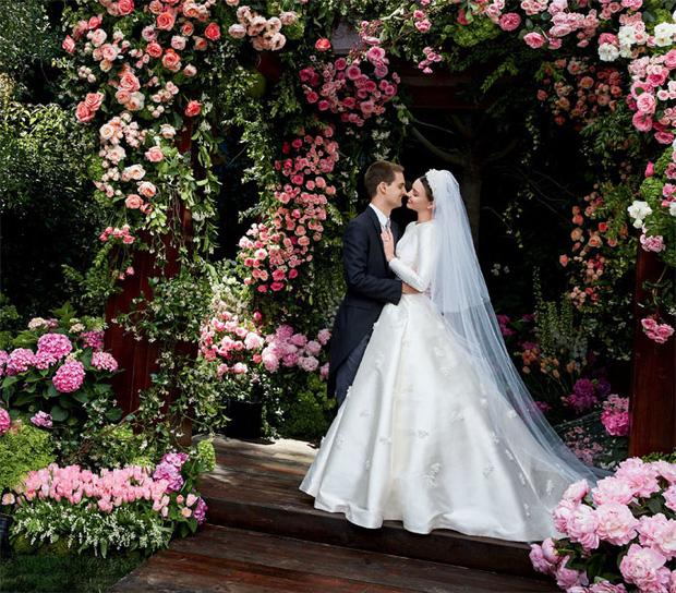 Những cặp đôi ngôi sao Hollywood - đại gia công nghệ đẹp như mơ, ai nói kiều nữ thì cứ phải đi cùng soái ca - Ảnh 1.