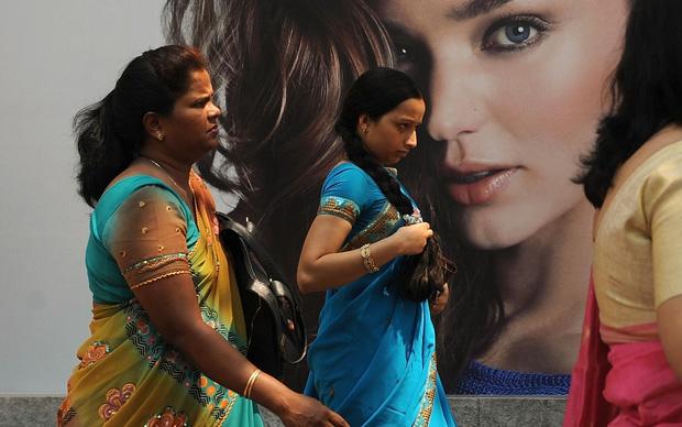 Nỗi ám ảnh da trắng và hội chứng tắm trắng của phụ nữ Ấn Độ - Ảnh 4.