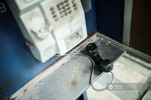 Những bốt điện thoại cuối cùng ở Hà Nội và ký ức một thời mong lắm một cuộc gọi từ trên phố - Ảnh 6.