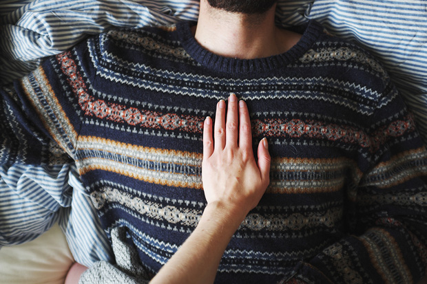 Khi yêu một người vô tâm, chúng ta sẽ biết trân trọng bản thân mình nhiều hơn - Ảnh 1.