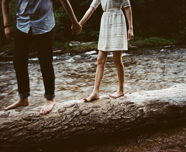 Tình yêu là chuyện của hai người, thừa hay thiếu đều trở thành bi kịch - Ảnh 1.