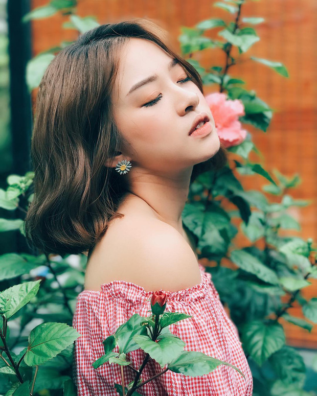 Bộ váy này đang được con gái Việt diện suốt trên Instagram, chứng tỏ gingham là hot trend phá đảo Hè 2017 - Ảnh 9.