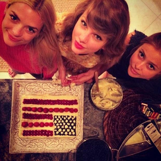 Muốn gia nhập hội bạn thân sang chảnh của Taylor Swift, bạn phải bỏ ra chi phí bao nhiêu? - Ảnh 10.