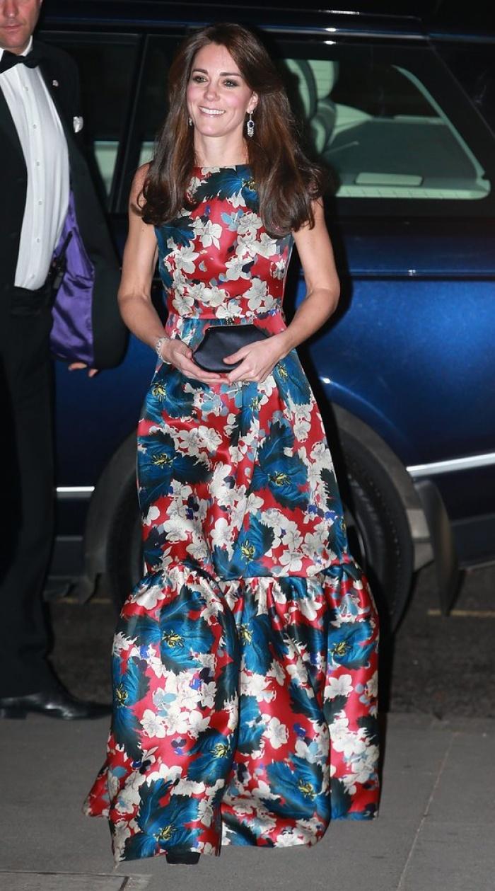 Có cả tủ váy dạ hội đẹp thế này, chẳng trách công nương Kate luôn lộng lẫy - Ảnh 13.