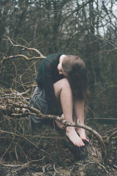 Nếu vẫn còn cần nhau, xin đừng để yêu thương nhạt mờ theo năm tháng.