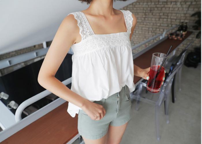 Tận dụng 5 món đồ hè này để sang thu không phải mua thêm quần áo mới - Ảnh 8.