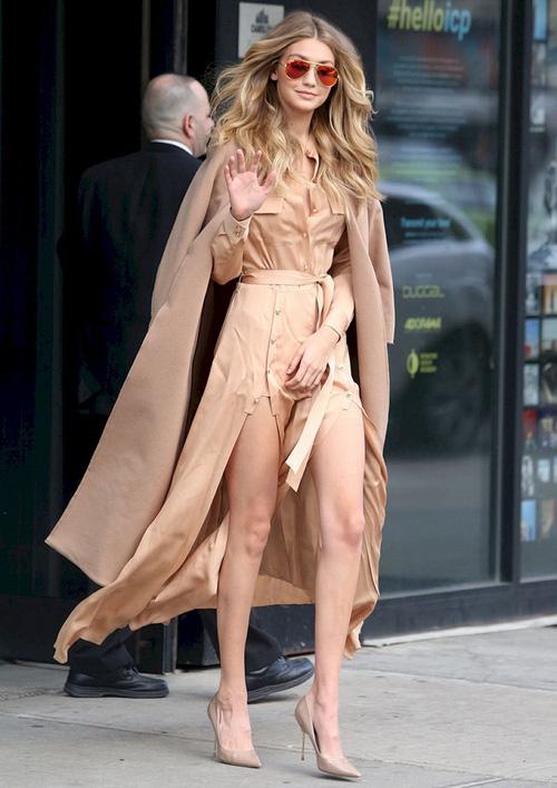 Mặt đẹp dáng chuẩn, Gigi Hadid mỗi khi bước xuống phố đều long lanh như chụp ảnh tạp chí - Ảnh 26.