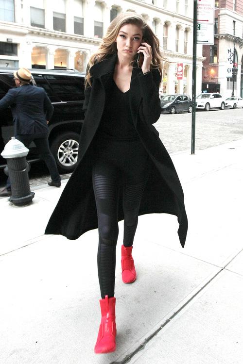 Mặt đẹp dáng chuẩn, Gigi Hadid mỗi khi bước xuống phố đều long lanh như chụp ảnh tạp chí - Ảnh 5.