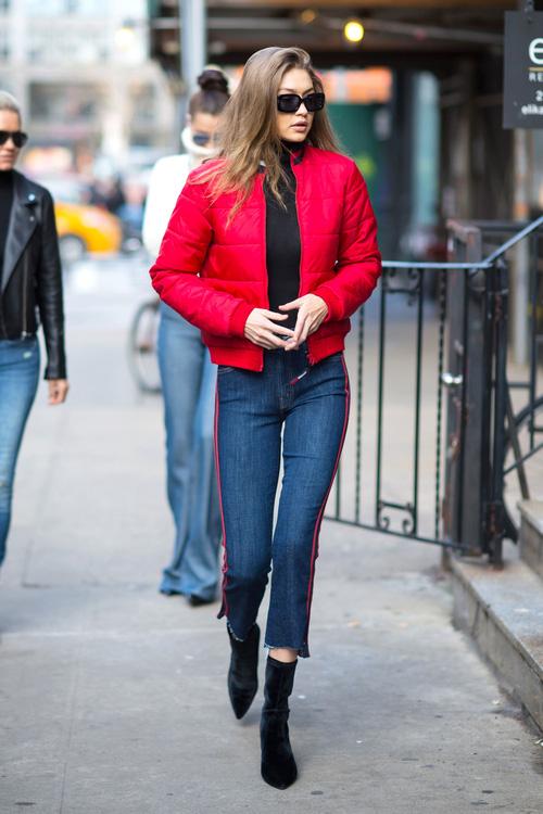 Mặt đẹp dáng chuẩn, Gigi Hadid mỗi khi bước xuống phố đều long lanh như chụp ảnh tạp chí - Ảnh 13.